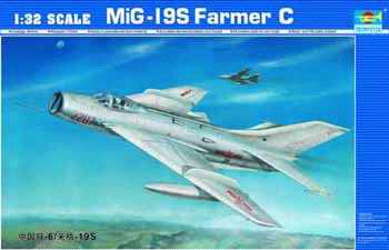 Maquette Trumpeter 02207 MiG-19S Frarmer C
